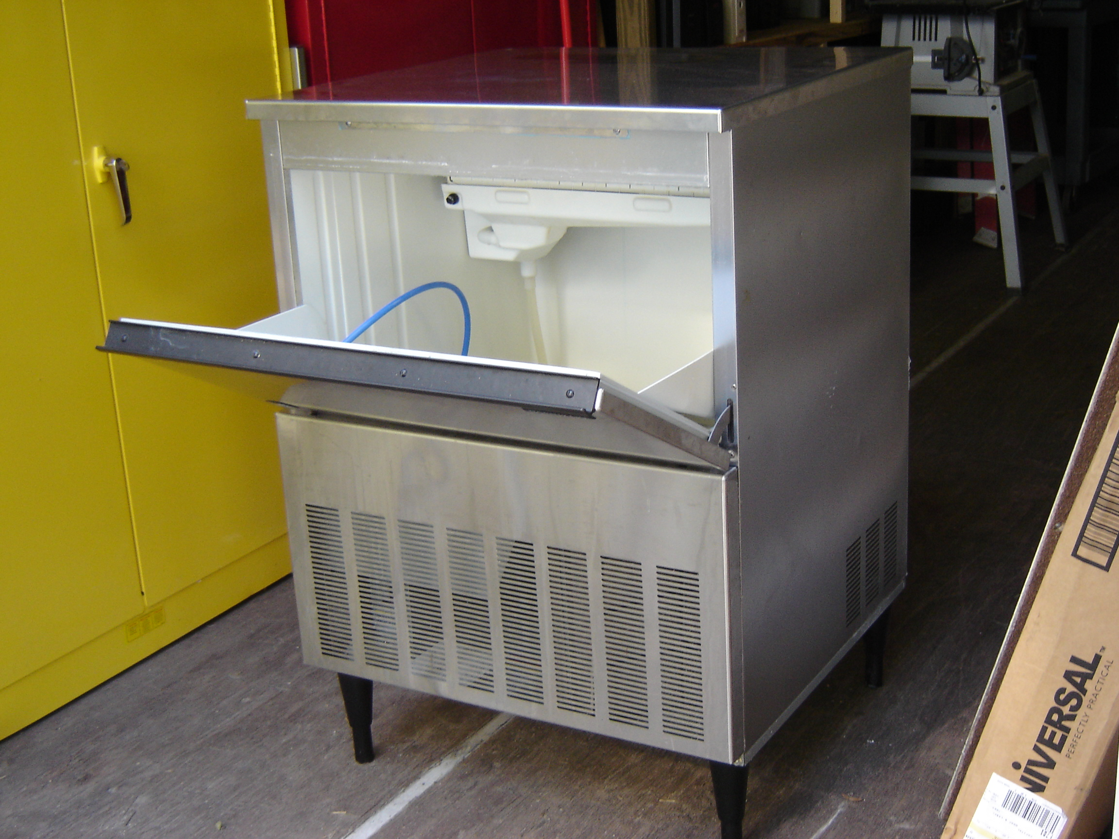 ice machines just in one fat frog in cabinet ic