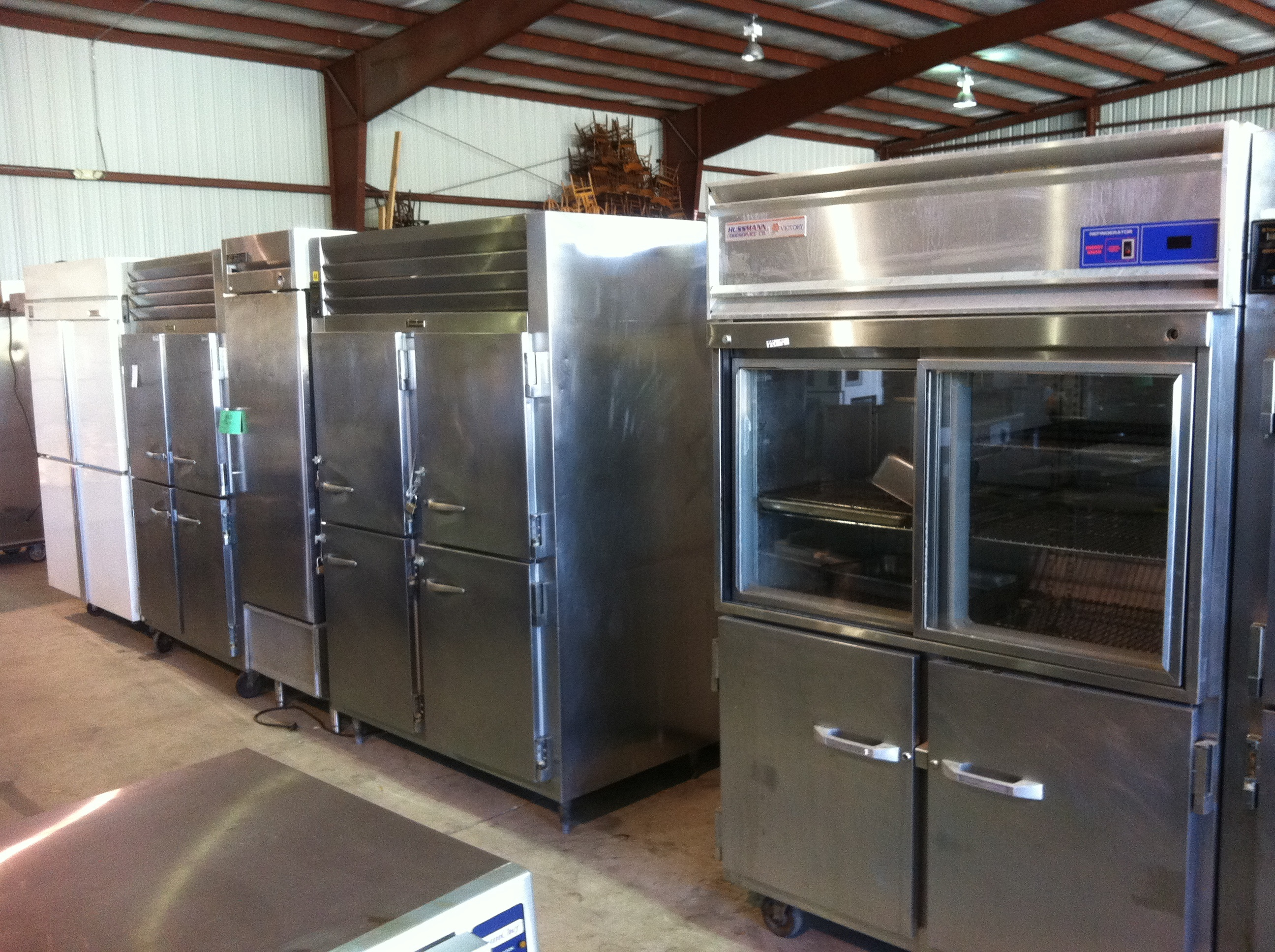 Sell us that old restaurant equipment whole restaurants for Cuisine commerciale equipement