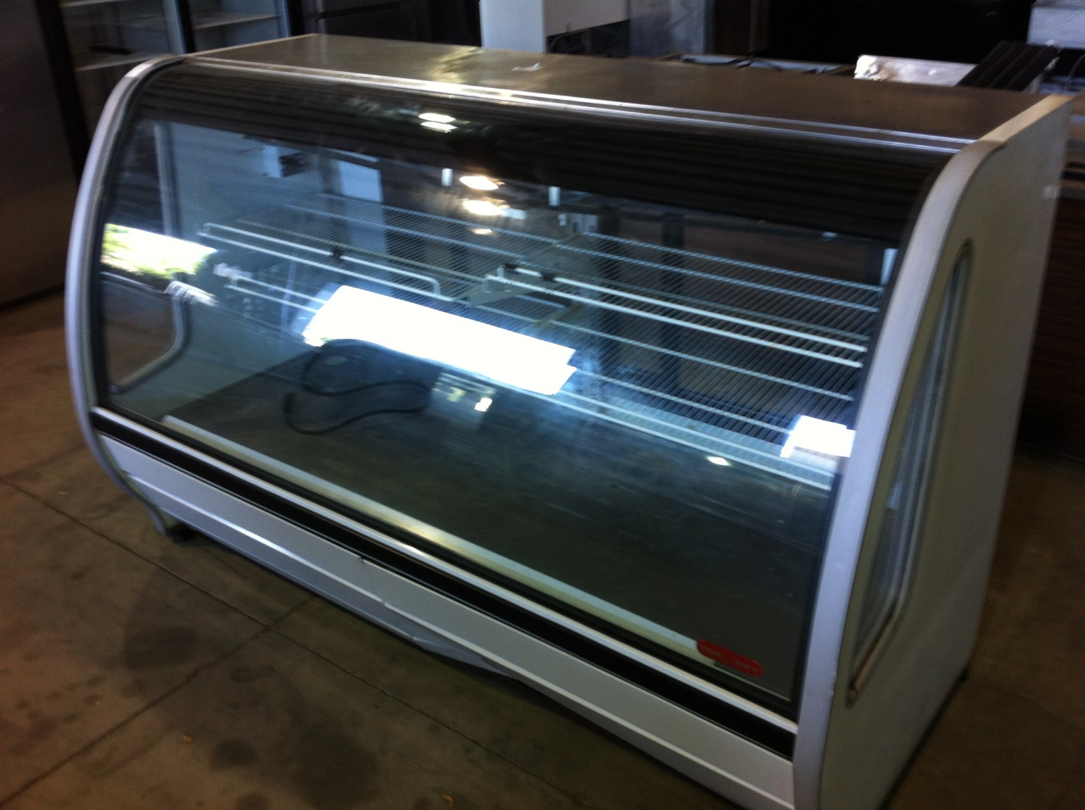 Display Cooler- Curved Glass