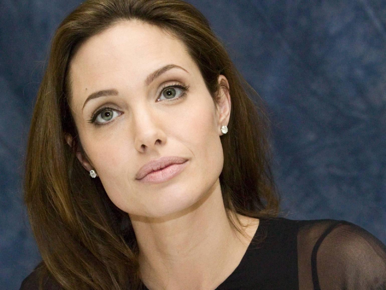 Angelina-Jolie01_0