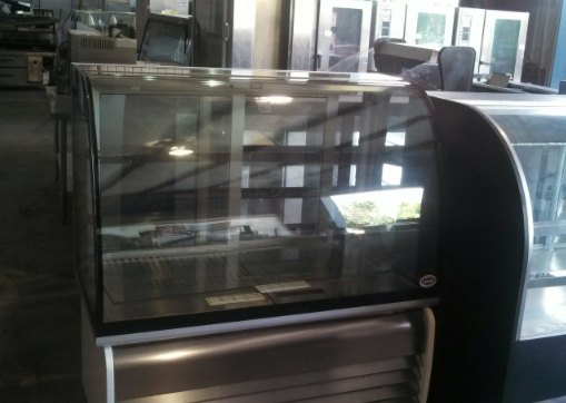 Lowe BRIO Hot Display