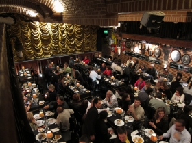 Restaurantwithcustomers